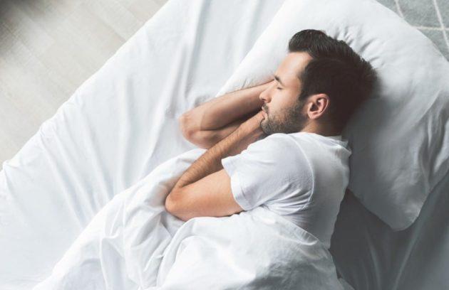 النوم بعد زراعة الشعر