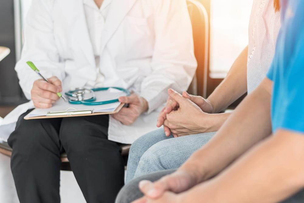 جلسة مناقشة مع الطبيب