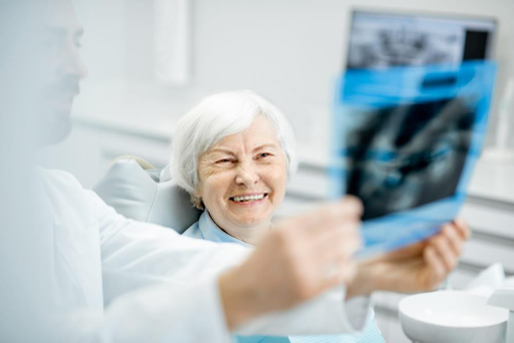 نجاح زراعة الاسنان الفورية