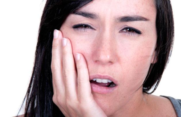 عندما يكون الألم من اعراض فشل زراعة الاسنان