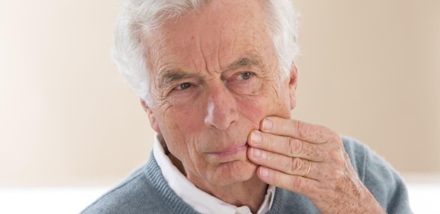 ألم بعد زراعة الاسنان